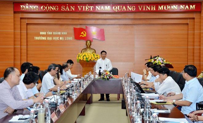 Chủ tịch tỉnh kiêm hiệu trưởng trường đại học đầu tiên cả nước - Ảnh 1.