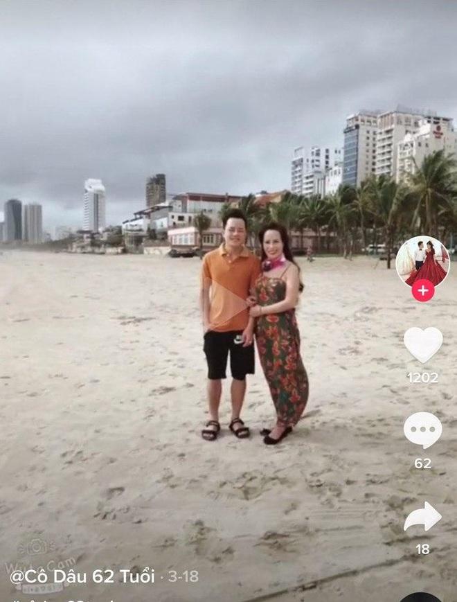 Cô dâu 62 tuổi cùng chồng trẻ lặn lội vào Đồng Nai gặp cô dâu 65 tuổi, giãi bày cách vượt dư luận và giữ hạnh phúc - Ảnh 7.
