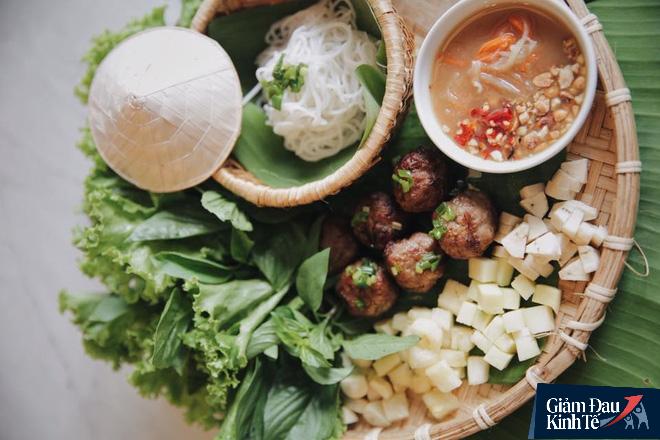 Ông chủ nhà hàng Việt trên đất Thái kể chuyện dùng gấu trúc tiếp khách lên báo quốc tế - Ảnh 5.