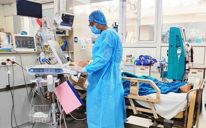 Phi công mắc Covid-19 nặng đã 6 lần xét nghiệm âm tính, phổi hồi phục 20-30%: Tính đến phương án đưa về Anh