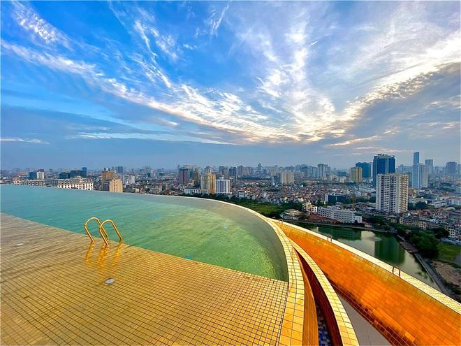 Cận cảnh căn hộ ở Hà Nội được dát vàng, giá siêu đắt 150 triệu đồng/m2 - Ảnh 9.