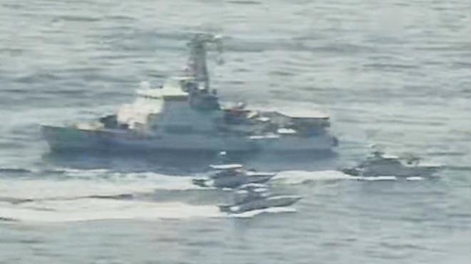 NÓNG:  5 tàu dầu Iran xông thẳng vào đội hình chiến hạm hùng hậu của Hải quân Mỹ - 72h căng thẳng bắt đầu, Nga lên tiếng khẩn - Ảnh 14.