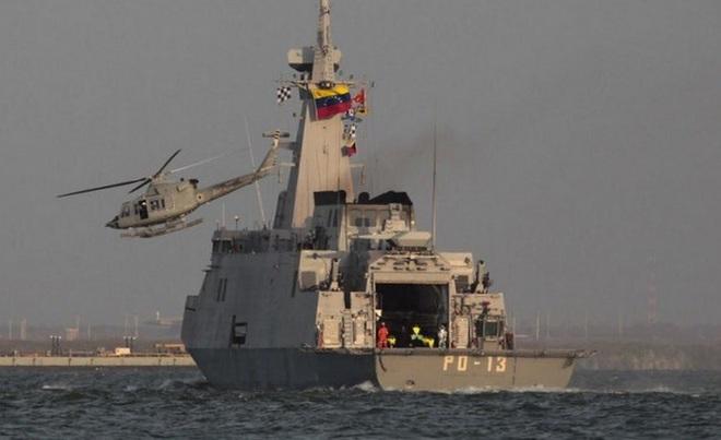 NÓNG:  5 tàu dầu Iran xông thẳng vào đội hình chiến hạm hùng hậu của Hải quân Mỹ - 72h căng thẳng bắt đầu, Nga lên tiếng khẩn - Ảnh 13.