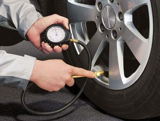 Những quy tắc vàng giúp bạn lái xe ô tô an toàn, hiệu quả - Ảnh 2.