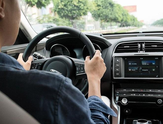 Những quy tắc vàng giúp bạn lái xe ô tô an toàn, hiệu quả - Ảnh 3.