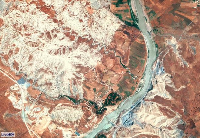 Đập nước nuốt gọn thành phố cổ 12.000 năm tuổi: Biểu tượng quyền lực và sức mạnh của Thổ Nhĩ Kỳ ở Trung Đông - Ảnh 1.