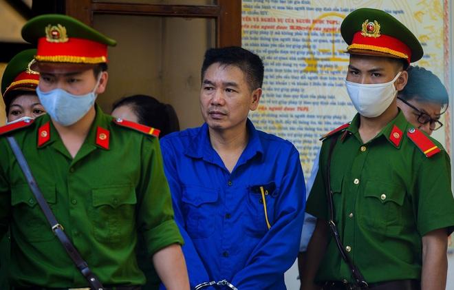 VKS luận tội 12 bị cáo, xác định kẻ chủ mưu trong vụ gian lận điểm thi tại Sơn La - Ảnh 5.