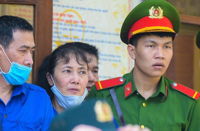 Những lời khai bất nhất của các bị cáo trong phiên xét xử vụ án gian lận điểm thi ở Sơn La - Ảnh 2.