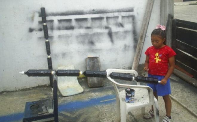 Nghiên cứu khoa học từ năm 4 tuổi, em bé này đã sáng chế ra 'bình nóng lạnh' chỉ bằng vật liệu tái chế