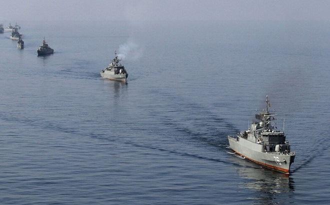 """Mỹ và Iran đối đầu """"nảy lửa"""" tại vịnh Persian"""