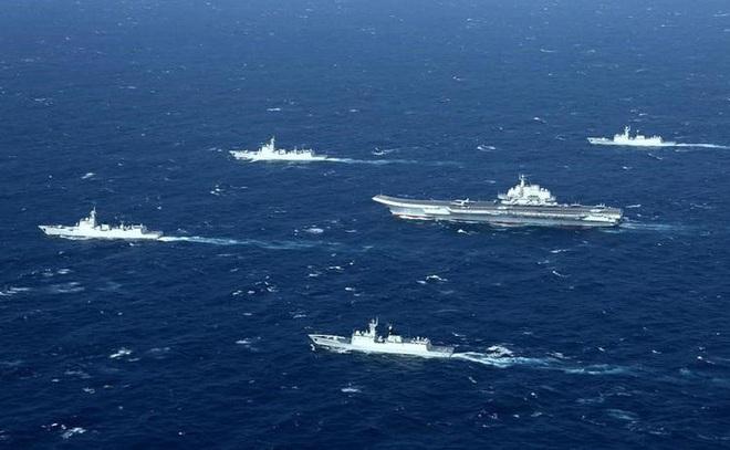 """Tiết lộ nhóm tàu sân bay TQ """"diễu võ giương oai"""" trước mắt chiến hạm Mỹ ở Biển Đông - ảnh 2"""
