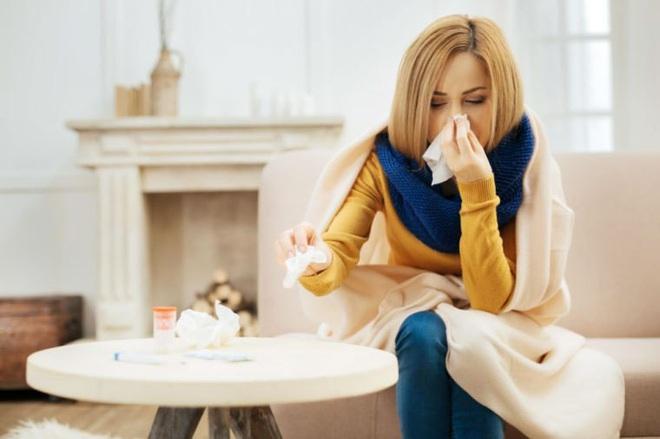 Màu sắc dịch mũi cảnh báo tình trạng sức khỏe mà bạn cần lưu ý - Ảnh 3.