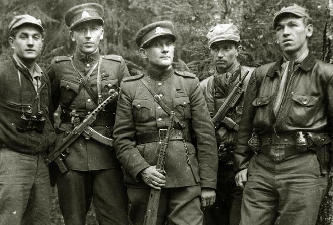 Hàng nghìn quân Liên Xô tử trận sau Ngày Chiến thắng: Nỗi khiếp sợ khiến quân Đức quyết mở đường máu - Ảnh 7.