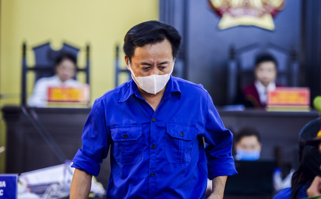 VKS luận tội 12 bị cáo, xác định kẻ chủ mưu trong vụ gian lận điểm thi tại Sơn La - Ảnh 8.
