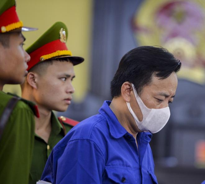 Xét xử gian lận thi cử tại Sơn La: Cựu Phó Phòng PA03 khai không có nhận thức gì khi được nhờ xem điểm - Ảnh 2.