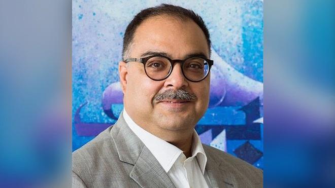 CEO ngân hàng sống sót thần kì trong vụ máy bay rơi ở Pakistan - Ảnh 1.