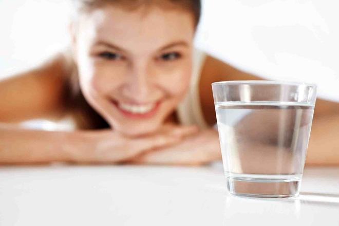 Bí quyết uống nước giảm cân trong 7 ngày: Tại sao có người giảm được, có người phát phì? - Ảnh 1.