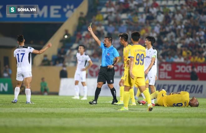 HAGL thua thảm Nam Định trong ngày Tuấn Anh gánh đội vô vọng đến tội nghiệp - Ảnh 2.