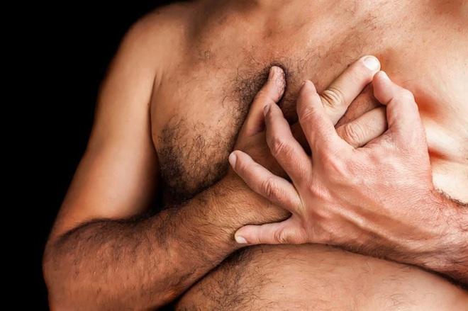 8 dấu hiệu đáng ngạc nhiên của ung thư vú ở nam giới - Ảnh 7.