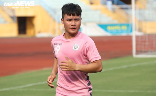 Huấn luyện viên Hà Nội FC không bình chọn Quả bóng Vàng cho Quang Hải