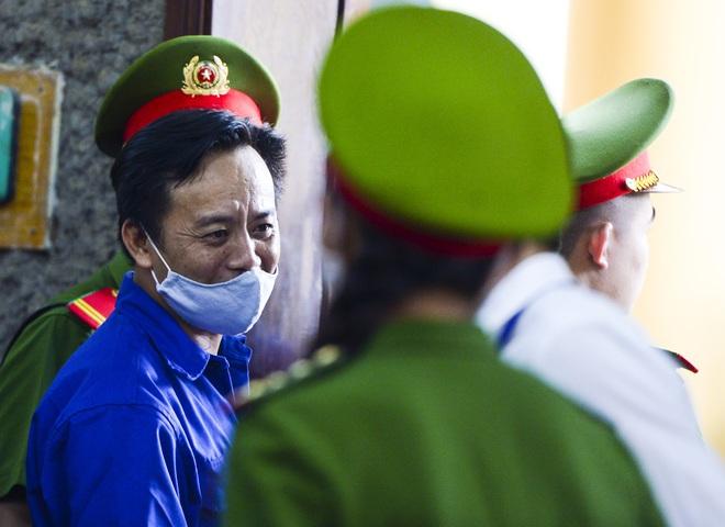 Xét xử gian lận thi cử tại Sơn La: 12 bị cáo bị đề nghị phạt từ 2 năm tù đến 25 năm tù - Ảnh 1.