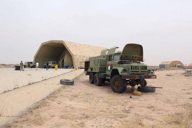 6 MiG-29 và 2 Su-24 Nga tới Libya: Đập tan âm mưu thiết lập Khmeimim thứ 2 của Thổ? - Ảnh 1.
