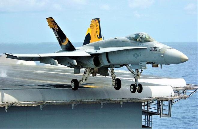 """Tiêm kích hạm đa năng F/A-18 lại """"sốt"""" trở lại? - ảnh 1"""