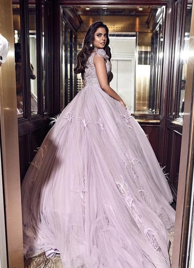 Ái nữ của tỷ phú giàu nhất châu Á: Thành tích học tập đáng nể, cuộc sống phủ đầy kim cương cùng đám cưới siêu khủng hơn 2000 tỷ đồng - Ảnh 3.