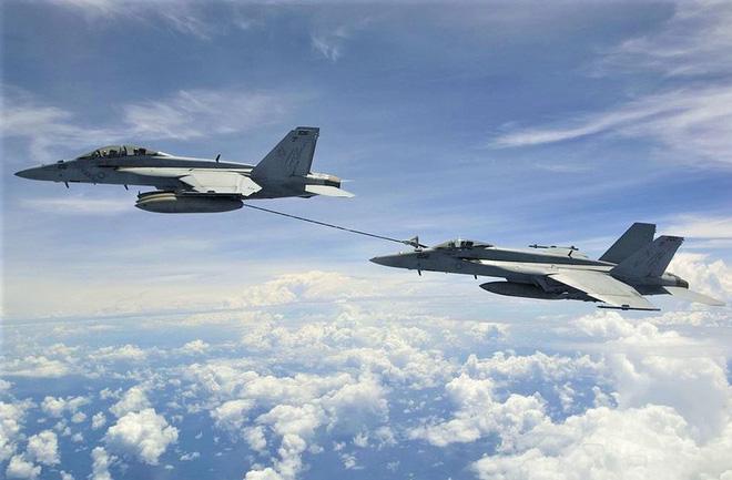 """Tiêm kích hạm đa năng F/A-18 lại """"sốt"""" trở lại? - ảnh 10"""