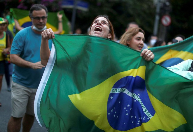 Brazil cực nhọc vật lộn với COVID-19 - Ảnh 11.