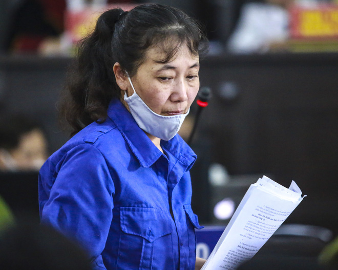 Nữ bị cáo nhờ nâng điểm thi cho con tại Sơn La nói thương con, muốn con được học hành đến nơi, đến chốn - Ảnh 1.