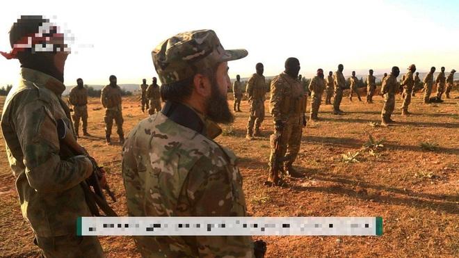 Quân đội Syria tung nắm đấm thép vây chặt Idlib: Kẻ nào thách thức Nga đều phải trả giá - Ảnh 2.