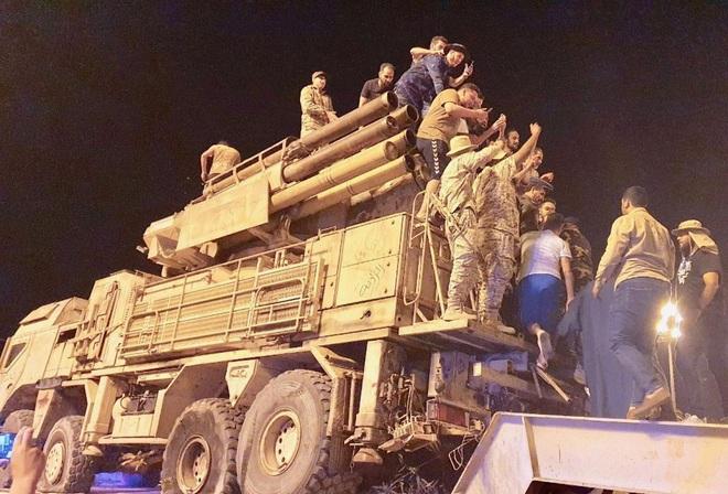 Lính đánh thuê Nga tháo chạy khỏi căn cứ chiến lược ở Libya: Tướng Haftar thất thủ? - Ảnh 1.