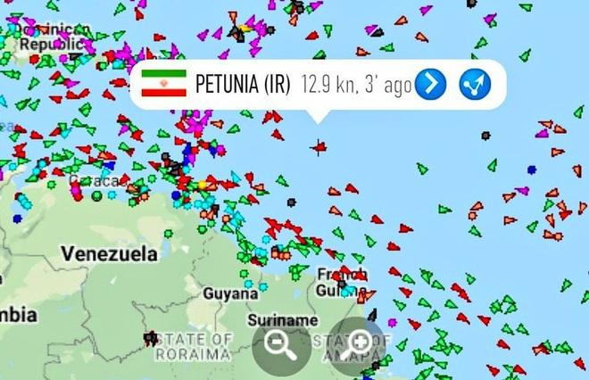 NÓNG: Đối đầu nghẹt thở, Venezuela và Iran thắng 1-0, tàu dầu Iran cắt mặt tàu đặc chủng mang cờ Mỹ - Ảnh 9.