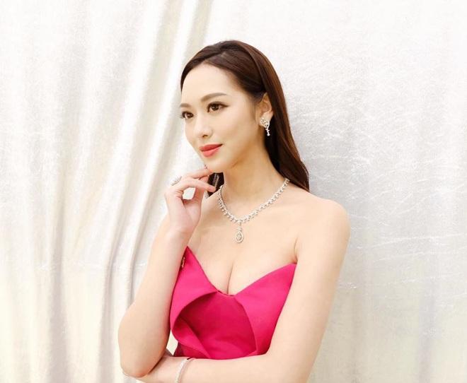 Hoa hậu Hong Kong hẹn hò thiếu gia sòng bạc Macau: Gia thế khủng và gợi cảm cỡ nào? - Ảnh 6.