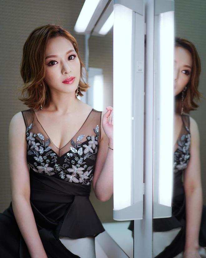 Hoa hậu Hong Kong hẹn hò thiếu gia sòng bạc Macau: Gia thế khủng và gợi cảm cỡ nào? - Ảnh 19.