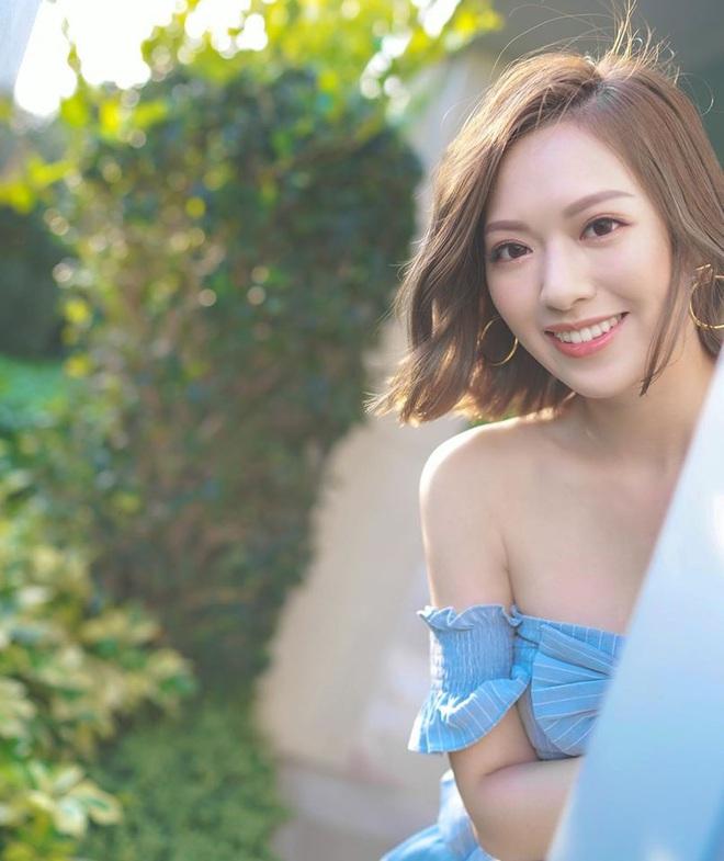 Hoa hậu Hong Kong hẹn hò thiếu gia sòng bạc Macau: Gia thế khủng và gợi cảm cỡ nào? - Ảnh 23.