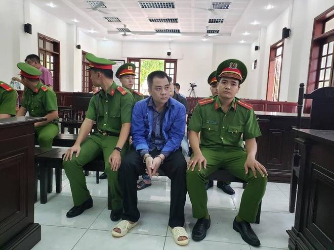 Truy tố giám đốc doanh nghiệp gọi điện cho giang hồ vây chặn xe chở công an ở tỉnh Đồng Nai - Ảnh 2.