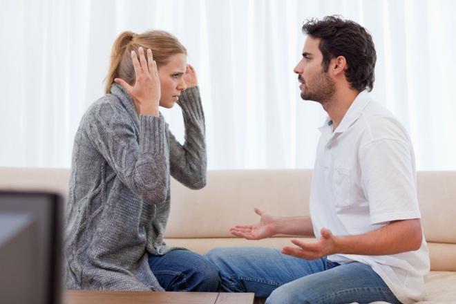 Vợ chồng cãi vã suốt ngày bỗng hòa hợp hạnh phúc nhờ 1 cú điện thoại từ sở cảnh sát - Ảnh 2.
