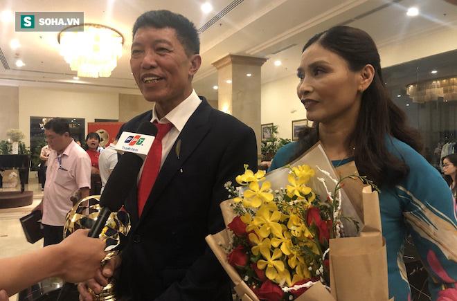 Bố Văn Hậu: Tôi mong con trai sẽ cống hiến nhiều hơn nữa cho bóng đá Việt Nam - Ảnh 1.