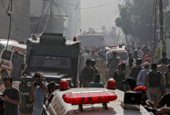 Ba lần phớt lờ cảnh báo của không lưu, phi công Pakistan hại chết gần 100 người? - Ảnh 2.