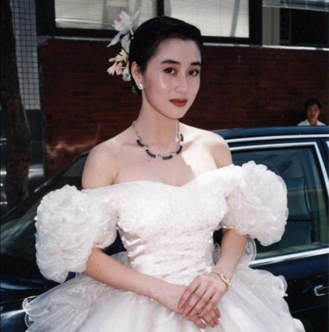 Người tình Hoa hậu từng được vua sòng bài Macau yêu say đắm: Bị chính thất đánh ghen hội đồng, chỉ  được yên khi trở thành vợ Lý Liên Kiệt? - Ảnh 11.