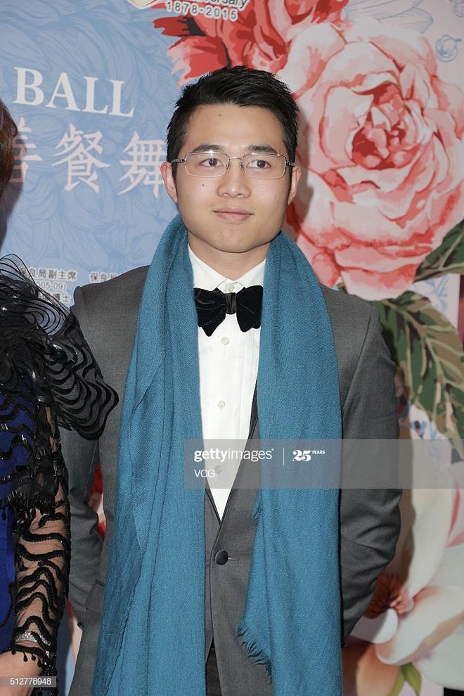 Con trai vua sòng bạc Macau: Sống kín tiếng nhưng hẹn hò với toàn mỹ nhân nóng bỏng - Ảnh 5.