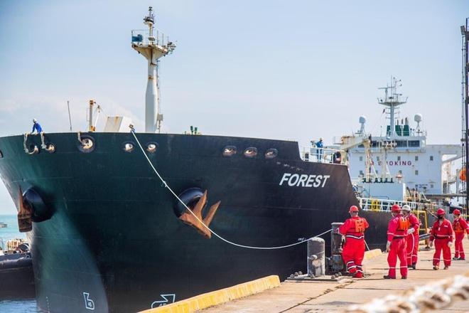 NÓNG: 3-0, Iran và Venezuela dẫn trước ngoạn mục trước hạm đội hùng hậu HQ Mỹ - Dấu hiệu tàu khóa đuôi bị chặn bắt? - Ảnh 27.