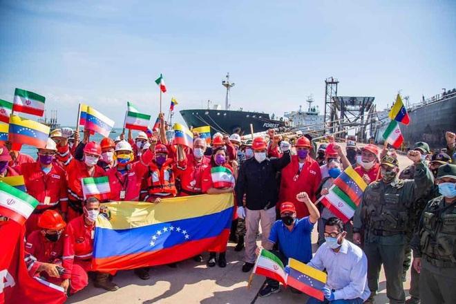 NÓNG: 3-0, Iran và Venezuela dẫn trước ngoạn mục trước hạm đội hùng hậu HQ Mỹ - Dấu hiệu tàu khóa đuôi bị chặn bắt? - Ảnh 28.