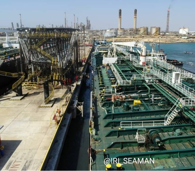 NÓNG: 3-0, Iran và Venezuela dẫn trước ngoạn mục trước hạm đội hùng hậu HQ Mỹ - Dấu hiệu tàu khóa đuôi bị chặn bắt? - Ảnh 14.