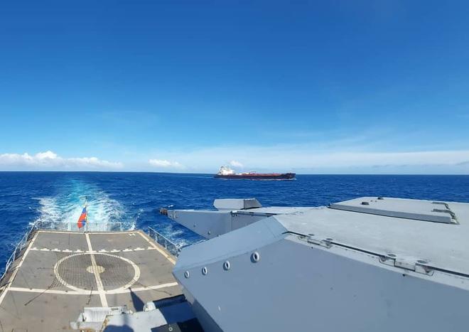 NÓNG: 3-0, Iran và Venezuela dẫn trước ngoạn mục trước hạm đội hùng hậu HQ Mỹ - Dấu hiệu tàu khóa đuôi bị chặn bắt? - Ảnh 10.