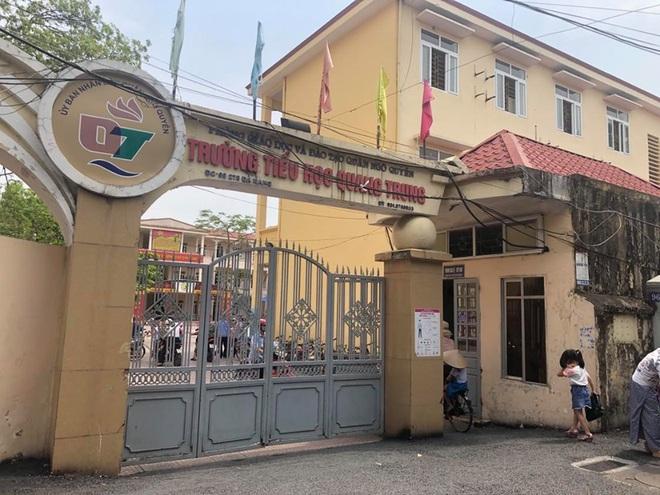 Vụ học sinh lớp 1 bị phê bình vì đi học sớm ở Hải Phòng: Nhà trường xin lỗi, mong dư luận thông cảm - Ảnh 2.