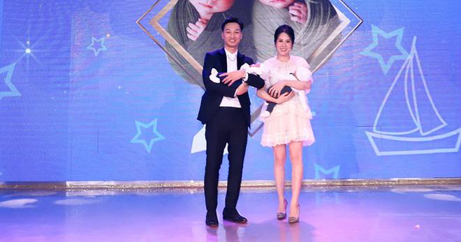 Sắc vóc vợ hai kém 8 tuổi của MC Thành Trung sau khi sinh đôi - Ảnh 2.