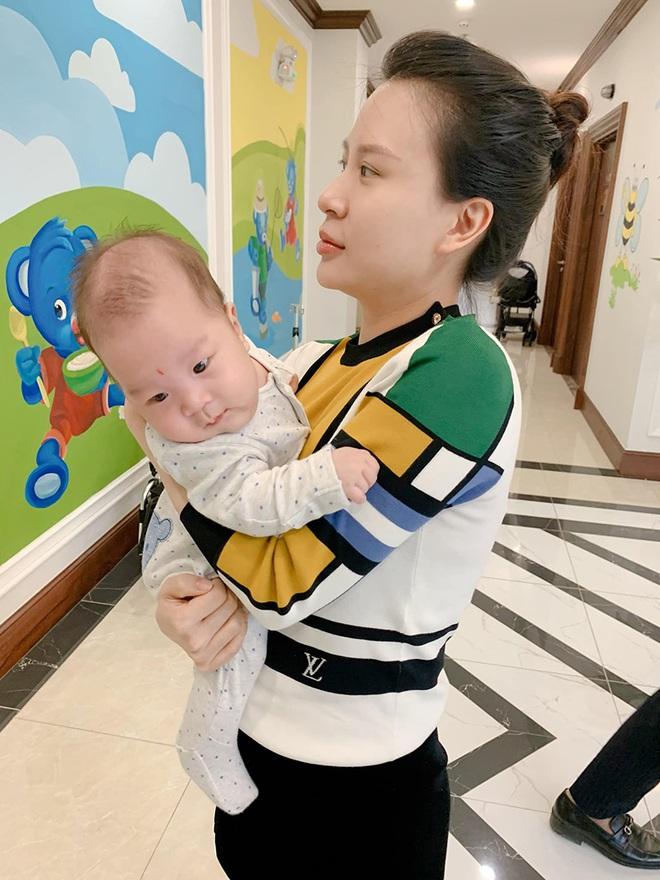 Sắc vóc vợ hai kém 8 tuổi của MC Thành Trung sau khi sinh đôi - Ảnh 6.